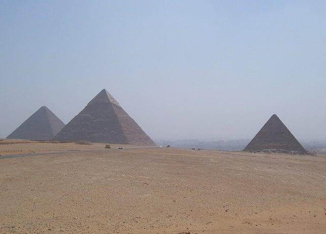 pyramids-997629_640