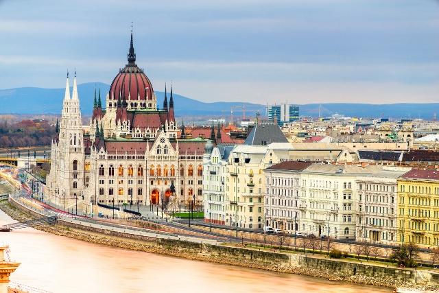 U društvu sa Fridom Kahlo u Budimpešti, 1 dan