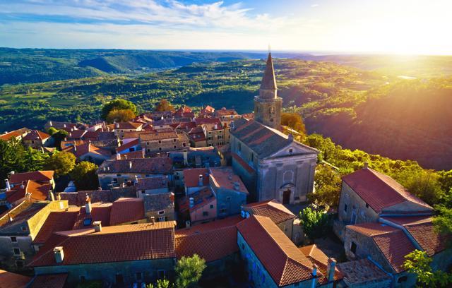 Romantični gradići Istre: Oprtalj, Buje, Grožnjan