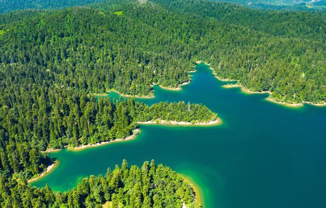 Kanjon Kamačnik, Lokve i Lokvarsko jezero